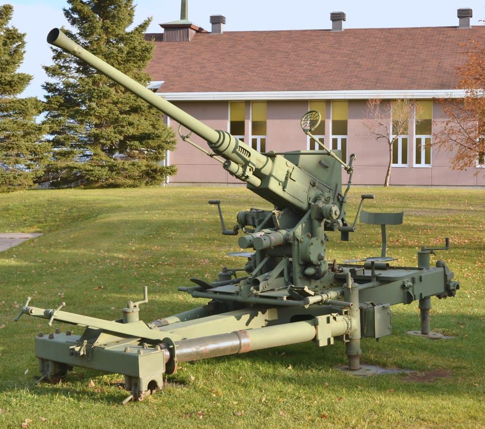 Canon antiaérien léger Bofors